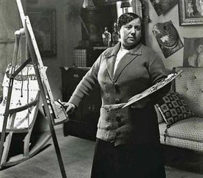 Lluïsa Vidal al seu taller el 1904, fotografiada per Francesc Serra.