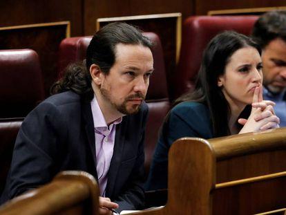 Los líderes de Unidas Podemos, Pablo Iglesias e Irene Montero, en el Congreso, el pasado enero.