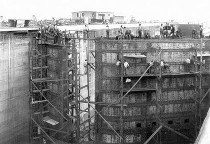 Construcción de la estación de Gatun del Canal de Panamá hace 100 años