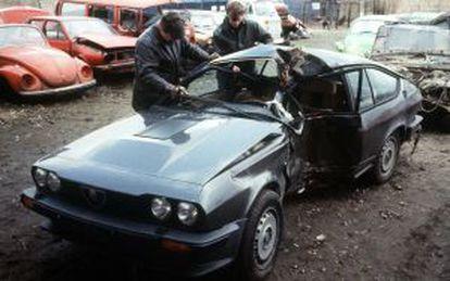 El coche de Eigendorf tras el accidente en Braunschweig en 1983.