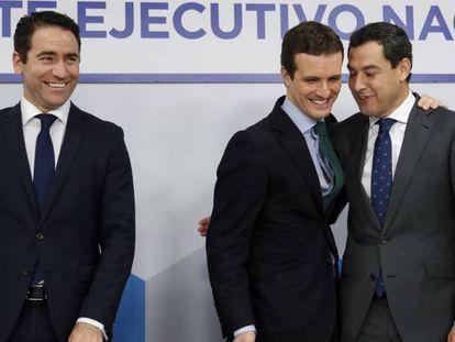 Teodoro García Egea, Pablo Casado y Juanma Moreno, el pasado domingo en Génova.
