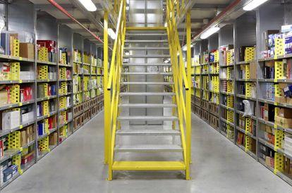 En este almacén que Amazon abrió en 2012 en San Fernando de Henares (Madrid) se guardan alrededor de 32 millones de productos.