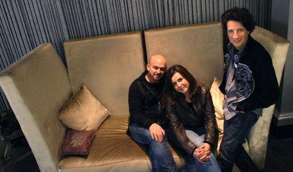 Nacho Mañó, Lydia Rodríguez y Juan Luis Giménez en la presentación de su álbum 'Será'.