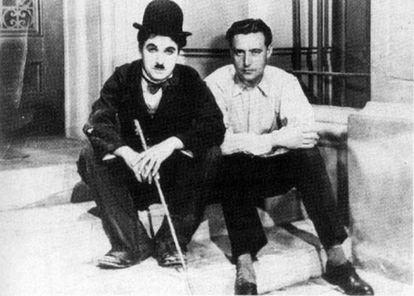 Edgar Neville y Charles Chaplin en el rodaje de 'Luces de la ciudad'.