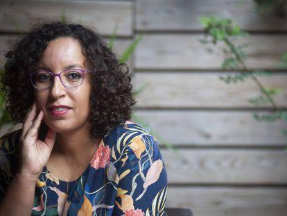 La escritora Najat El Hachmi, en la libreria Laie de Barcelona el 5 de septiembre.