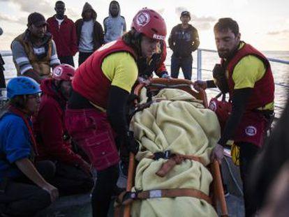 El pesquero español anuncia que vuelve a Santa Pola con los migrantes a bordo.