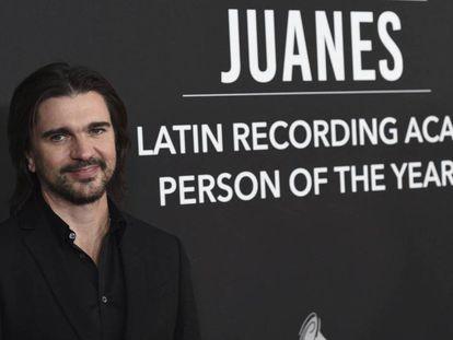 Juanes llega al homenaje de Persona del Año, el miércoles en Las Vegas. En vídeo, resumen del homenaje.