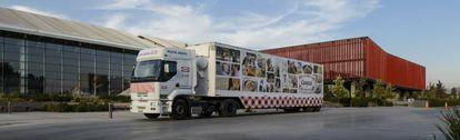 Camión con alimentos de Carozzi.