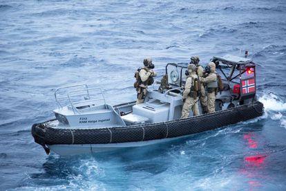 >Marinos noruegos durante un ejercicio en diciembre de 2013 previo a su colaboración en la destrucción de armas químicas sirias.