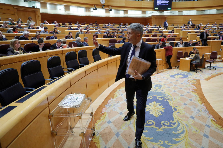 Fernando Grande-Marlaska, a su salida de la sesión de control al Gobierno en el pleno del Senado del pasado 3 de marzo.
