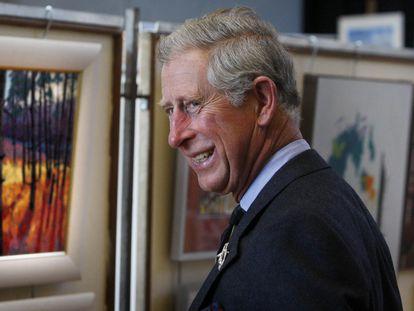 El príncipe Carlos, durante su visita a una exposición en la ciudad escocesa de Thurso, Escocia.