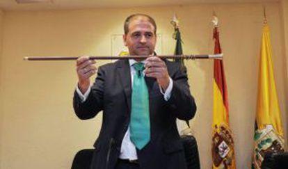 El alcalde de Los Barrios (Cádiz), el andalucista Jorge Romero, en su toma de posesión.