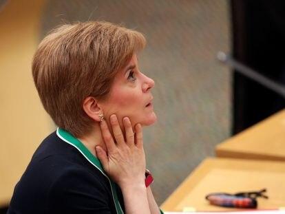 La ministra principal de Escocia, Nicola Sturgeon, en el Parlamento Autónomo de Holyrood, este martes