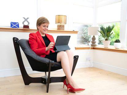 La ministra principal de Escocia, Nicola Sturgeon, prepara este domingo su discurso ante el congreso anual del Partido Nacional Escocés (SNP, en sus siglas en inglés).
