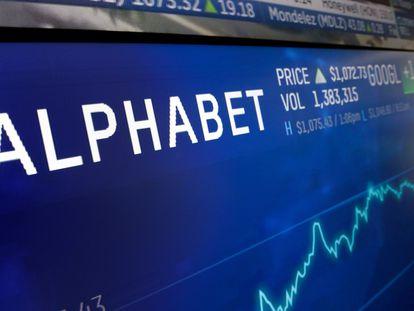 Pantalla de cotización que muestra la evolución de Alphabet en Bolsa.