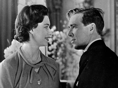Margarita y Lord Snowdon, antes de casarse, en un retrato en Windsor en 1960.