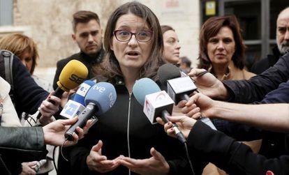 Mónica Oltra en declaraciones a los medios este sábado.