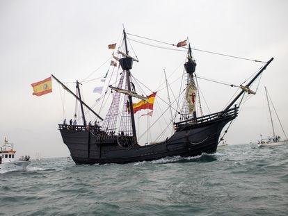 Réplica del barco que navegó el capitán Fernando de Magallanes hace 500 años, y que ahora llega al sur de Chile para conmemorar el quinto centenario de la expedición.