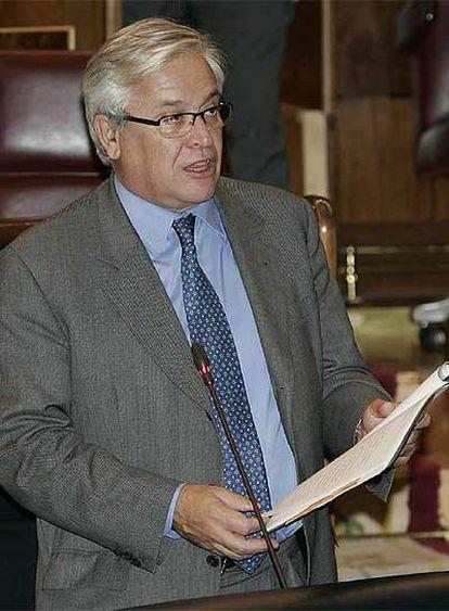 El ministro de Industria, Joan Clos, en el Congreso.