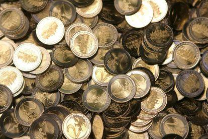Monedas de dos euros recién acuñadas, en Berlín.
