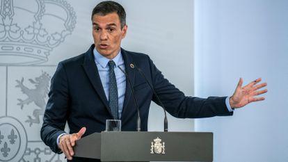 El presidente del Gobierno, Pedro Sánchez, en la rueda de prensa en Moncloa el martes.