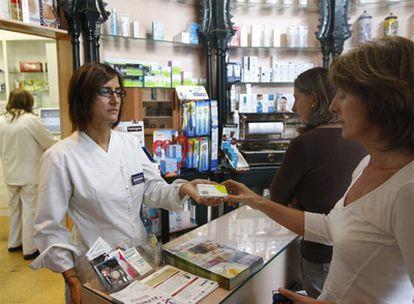 Venta de la píldora del día siguiente en una farmacia de Bilbao.