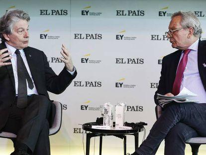 Thierry Breton (izquierda) y Xavier Vidal-Folch, este martes. En directo, el evento Europa Futura: Economía digital, industria y defensa.