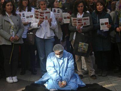 Manifestantes anti aborto en Santiago de Chile. El tribunal constitucional chileno ha aprobado medidas para permitir el aborto en algunos supuestos