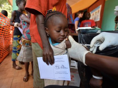 Campaña de vacunación de MSF en Conakri, capital de Guinea.