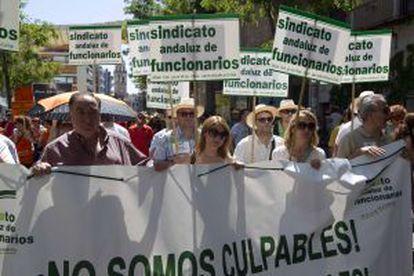 Manifestación de funcionarios contra los recortes del domingo pasado.