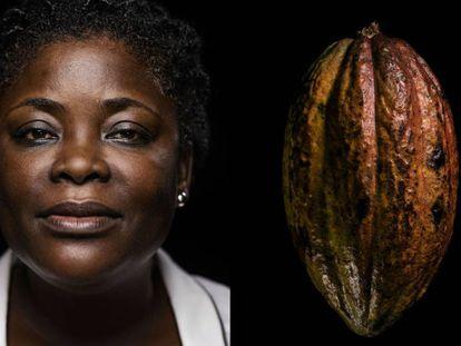 Solange N'Guessan, de 44 años, es la líder de un proyecto para empoderar a las mujeres mediante un negocio creado a partir de los desechos de las plantas de cacao. A su lado, un fruto del cacao (cabosse).