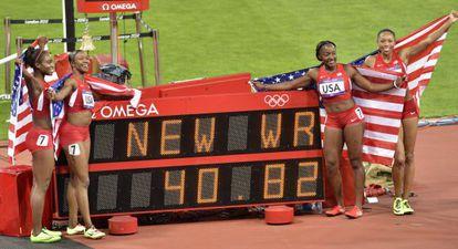 Las cuatro estadounidenses celebran el récord