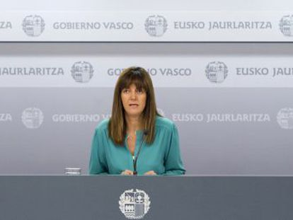 La portavoz, Idoia Mendia, en la rueda de prensa tras la reunión semanal del Gobierno vasco.