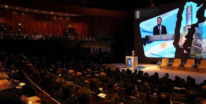 Macri se dirige a los asistentes al acto inaugural del foro Argentina Negocios e Inversión