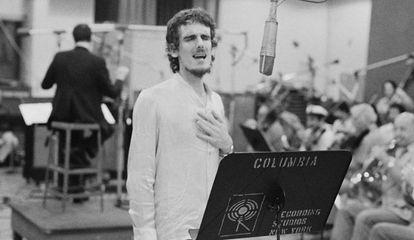 Luis Alberto Spinetta durante un ensayo en los en los Estudios Columbia Recording Studios de Nueva York City
