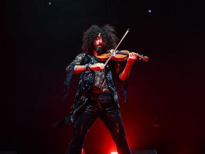 El violinista Ara Malikian, durante un concierto en el WiZink Center de Madrid en septiembre de este año