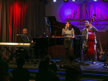 Concierto del pianista Caramelo de Cuba y su banda, en el Café Berlín en enero de 2020.