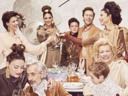 Cuéntame  celebra 20 temporadas y retrata la España de los años noventa. De la mano de la familia más popular de la tele, viajamos en el tiempo hasta las Navidades de 2050 y nos imaginamos el futuro  la serie ha terminado adelantando a la realidad.