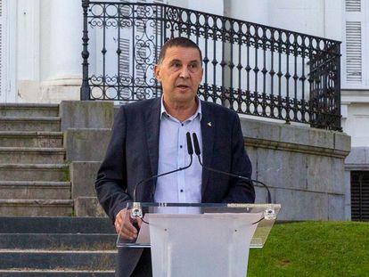 El coordinador general de EH Bildu, Arnaldo Otegi, este lunes en San Sebastián.