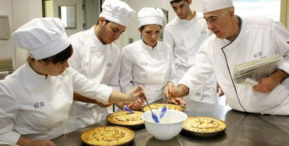 Students from the Basque Culinary Center in pastry classes.