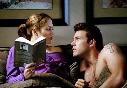 Jennifer Lopez y Ben Affleck en una escena de la película 'Una relación peligrosa', de 2003.