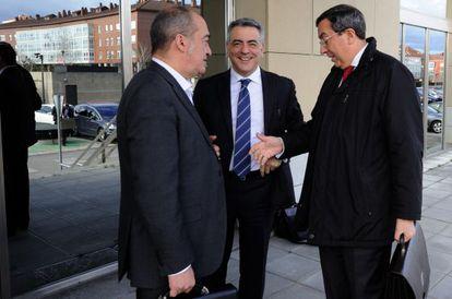 Los tres diputados generales el pasado febrero, antes de Consejo Vasco de Finanzas