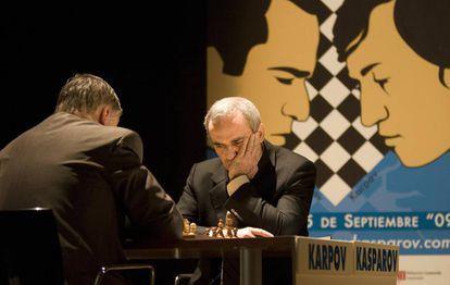 Kárpov y Kaspárov se volvieron a enfrentar en 2009 en Valencia, 25 años después de su primera final