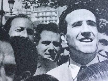Herrera, en Canaletas con los aficionados.