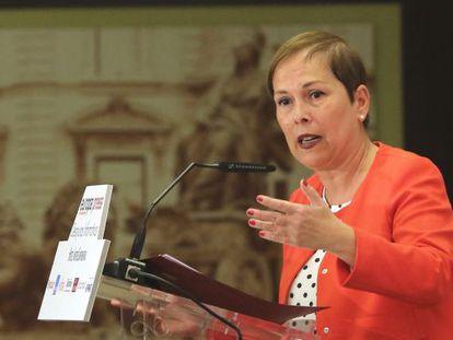 La presidenta de Navarra, Uxúe Barkos, durante su intervención en un desayuno informativo en Madrid.