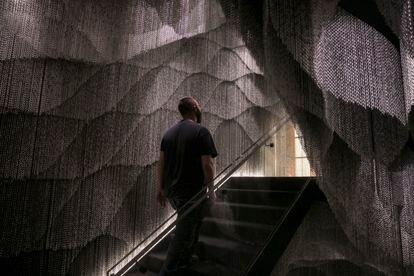 Una de las escaleras creadas en la Casa Batlló para crear una nueva circulación en este edificio de Gaudí.