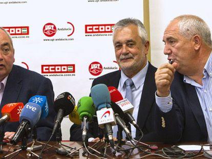 Manuel Pastrana (UGT), José Antonio Griñán y Francisco Carbonero (CC OO), el pasado 12 de abril.