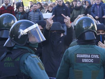 Protesta contra el acto de Ciudadanos, este domingo en Alsasua.