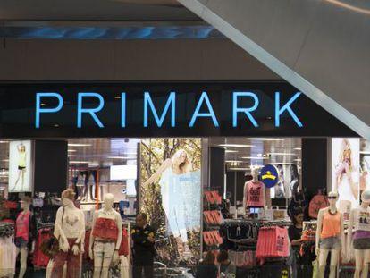 Imagen de la tienda de Primark en el centro comercial Plenilunio, el primero que se instaló en España