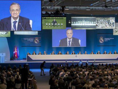 Florentino Pérez durante la Asamblea de Socios del Real Madrid.